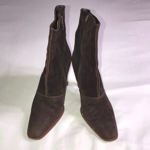 TOD'S suede ankle booties size 35.5 - US 5